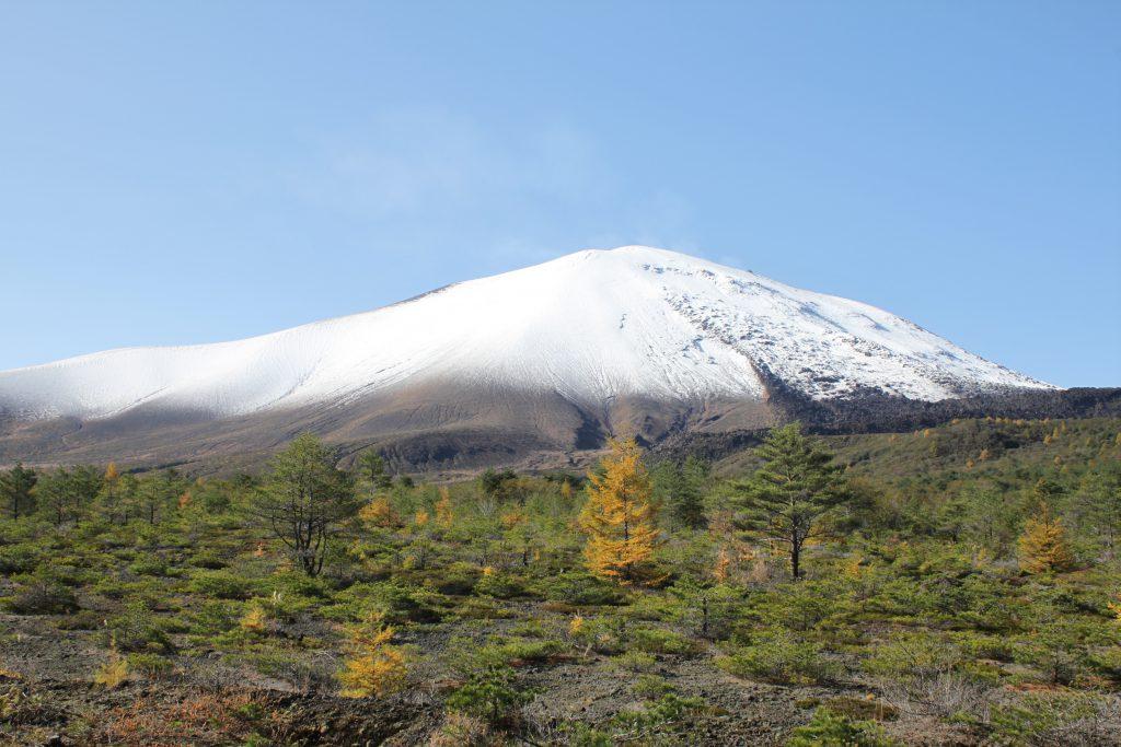 初冠雪の浅間山 10月26日